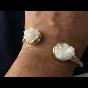 White quartz rock & gold bracelet